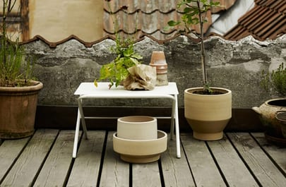 Bow_Table_Low__Silver_White